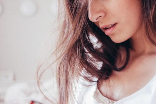 色気のある女性はバツイチが多い!?独身女性より女性ホルモン活発のワケを探ってみました!